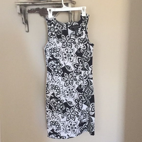 Connected Apparel Dresses Cute Summer Black And White Flower Print